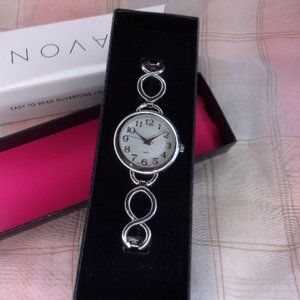 Avon Easy to Read Silvertone Link Watch New in Box